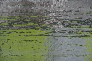 La couleur glisse diaphane et translucide